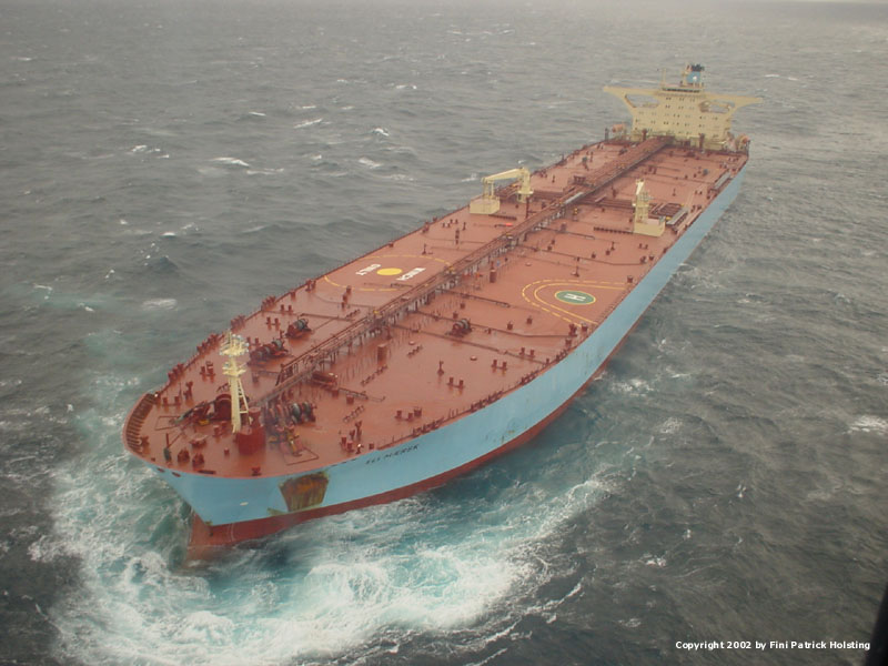 VLCC super råolietanker set fra helikopter